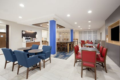 Restaurant | Holiday Inn Express & Suites Amarillo
