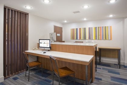 Business Center | Holiday Inn Express & Suites Amarillo