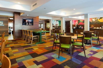 Restaurant | Fairfield Inn & Suites Charleston North/Ashley Phosphate