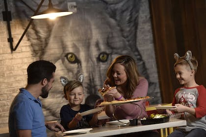 Family Dining | Great Wolf Lodge Bloomington