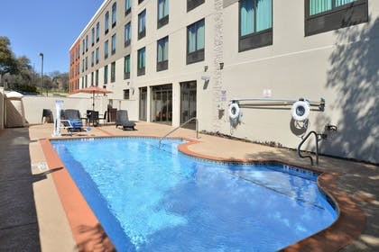 Pool | Holiday Inn Express Austin North Central