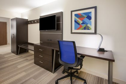 Guestroom | Holiday Inn Express Austin North Central