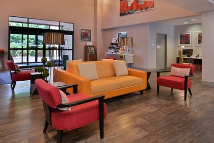 Lobby | Holiday Inn Express Austin North Central