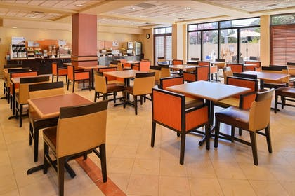 Breakfast Area | Holiday Inn Express Austin North Central