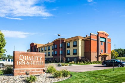 Featured Image   Quality Inn & Suites Airport North