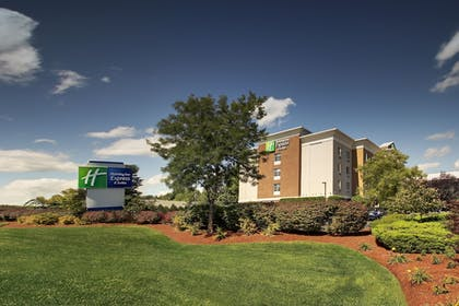 Hotel Front | Holiday Inn Express Hotel & Suites Middleboro Raynham