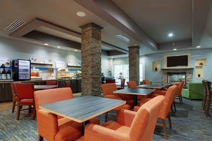 Restaurant | Holiday Inn Express Hotel & Suites Middleboro Raynham