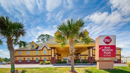 Exterior | Best Western Plus Bradbury Inn & Suites