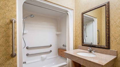 Bathroom | Best Western Plus Bradbury Inn & Suites
