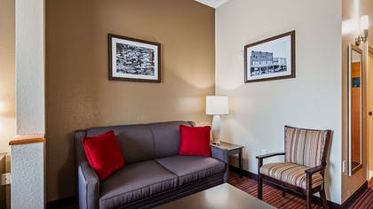 Guestroom | Best Western Plus Bradbury Inn & Suites