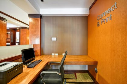 Business Center | Fairfield Inn & Suites by Marriott Birmingham Fultondale/I65