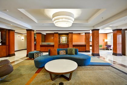 Lobby | Fairfield Inn & Suites by Marriott Birmingham Fultondale/I65