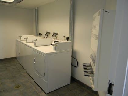 Laundry Room | Heritage Inn