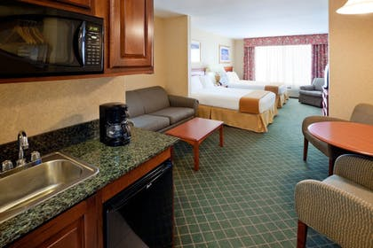 Guestroom   Holiday Inn Express Suites Clifton Park