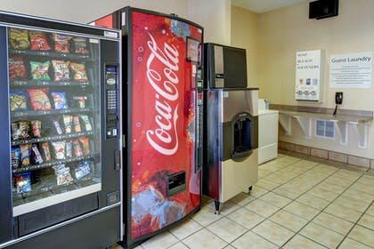 Vending Machine | Holiday Inn Express Hotel & Suites San Angelo