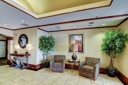 Lobby Sitting Area | Holiday Inn Express Hotel & Suites San Angelo
