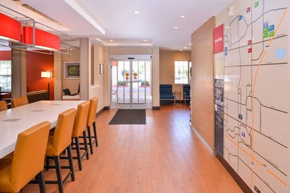 Lobby | TownePlace Suites by Marriott Ontario Airport