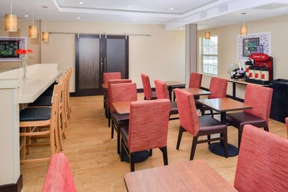 Restaurant | TownePlace Suites by Marriott Ontario Airport