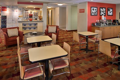 Breakfast Area | TownePlace Suites by Marriott Ontario Airport