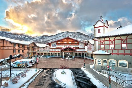 Hotel Front | Zermatt Utah Resort & Spa Trademark Collection by Wyndham