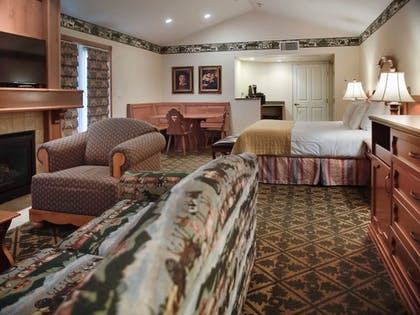 Guestroom | Zermatt Utah Resort & Spa Trademark Collection by Wyndham