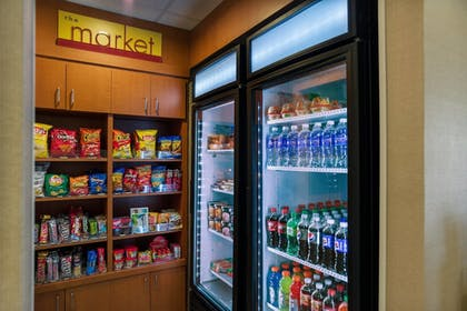 Snack Bar | SpringHill Suites by Marriott St. Petersburg Clearwater