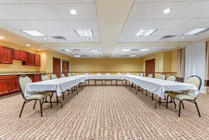 Meeting Facility   Comfort Suites Findlay I-75