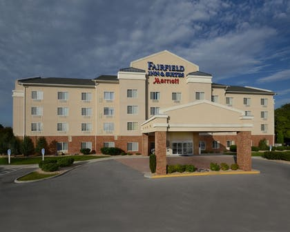 Exterior | Fairfield Inn & Suites by Marriott Roanoke Hollins/I-81