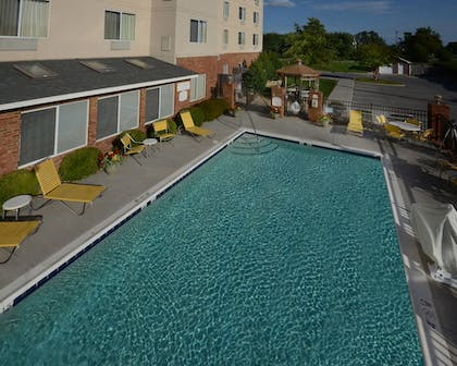 Outdoor Pool | Fairfield Inn & Suites by Marriott Roanoke Hollins/I-81
