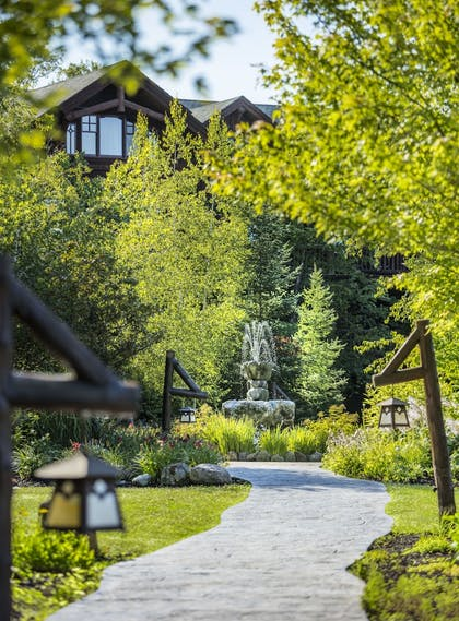 Property Grounds | The Whiteface Lodge