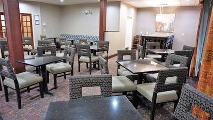 Restaurant | Holiday Inn Express Hotel & Suites Gibson