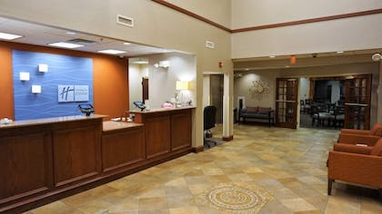 Lobby | Holiday Inn Express Hotel & Suites Gibson
