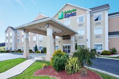 Featured Image | Holiday Inn Express Hotel & Suites Gibson