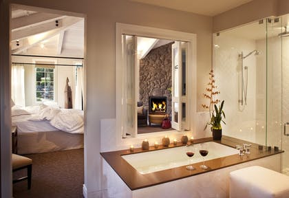 Deep Soaking Bathtub | Hotel Yountville