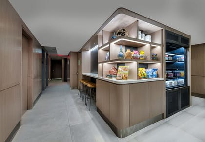 Snack Bar | Citadines Connect Fifth Avenue New York