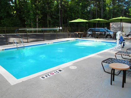 Outdoor Pool | Best Western Plus North Savannah