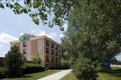 Exterior | Holiday Inn Express Hotel & Suites Ft. Collins