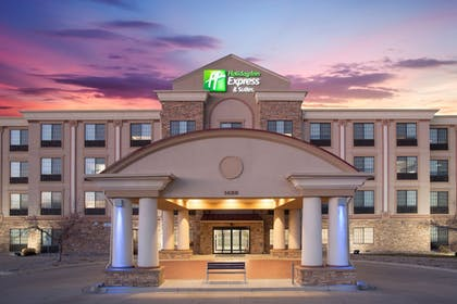 Featured Image | Holiday Inn Express Hotel & Suites Ft. Collins