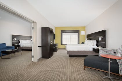 Guestroom | Holiday Inn Express Hotel & Suites Ft. Collins