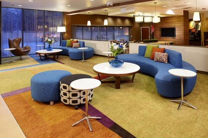 Lobby | Fairfield Inn & Suites by Marriott Parsippany