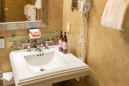 Bathroom Amenities | Luxx Boutique Hotel
