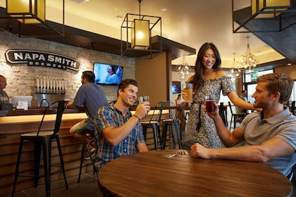 Hotel Bar | The Meritage Resort and Spa