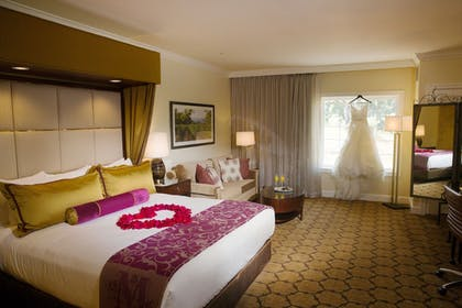 Guestroom | The Meritage Resort and Spa