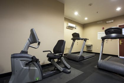 Fitness Facility | Holiday Inn Express Hotel & Suites Camden-I20 (Hwy 521)