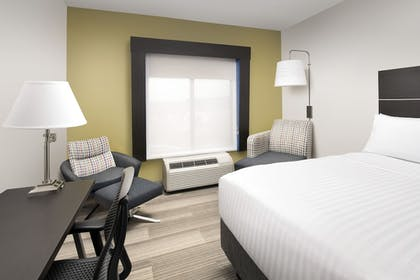 Guestroom | Holiday Inn Express Knoxville-Strawberry Plains