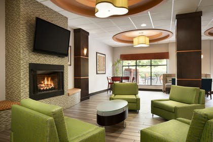Lobby | Holiday Inn Express Knoxville-Strawberry Plains