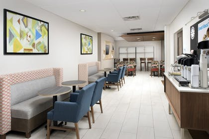 Restaurant | Holiday Inn Express Knoxville-Strawberry Plains