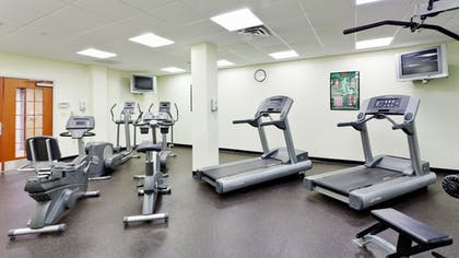 Fitness Facility | Holiday Inn Express Hotel & Suites Long Island-East End