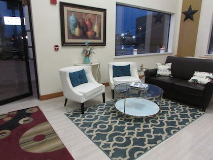 Lobby Sitting Area | Rodeway Inn & Suites Humble, TX