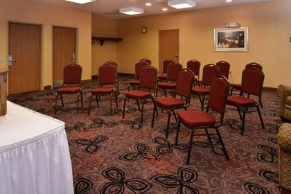 Meeting Facility | Holiday Inn Express Hotel & Suites Lancaster-Lititz